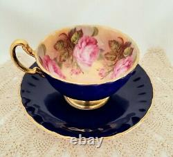 Aynsley, Angleterre, Cobalt Blue Teacup & Soucoupe, 4 Roses Roses Roses À L'intérieur, Or