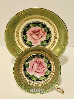 Paragon Angleterre Tea Cup & Saucer Floating Rose Chabage Rose Sur Green Heavy Gold