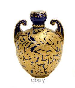 Royal Crown Derby Porcelaine Cobalt Blue & Gold Incrusted Twin Handled Urn, Vers 1880