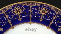 Service De 24 Minton, Angleterre Cobalt Blue Gold-incrusted Plates, Doré, Perles