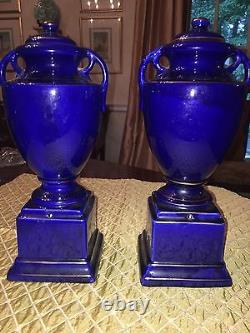 Urne Antique Bleu Cobalt Et Or. Excellent État. 250 $ D'urne Simple