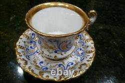Vieille Main De Porcelaine De Paris Peinte Gothique Cobalt Blue & Gold Tea Cup