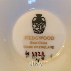 Wedgwood Piccadilly Cobalt Soupe À La Crème À Pieds Sauce À La Crème Set De 4 Backstamp En Or